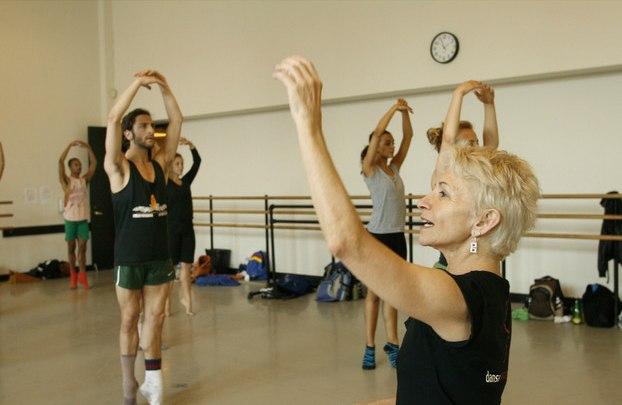Risa Steinberg teaching; photo Peter Schaaf