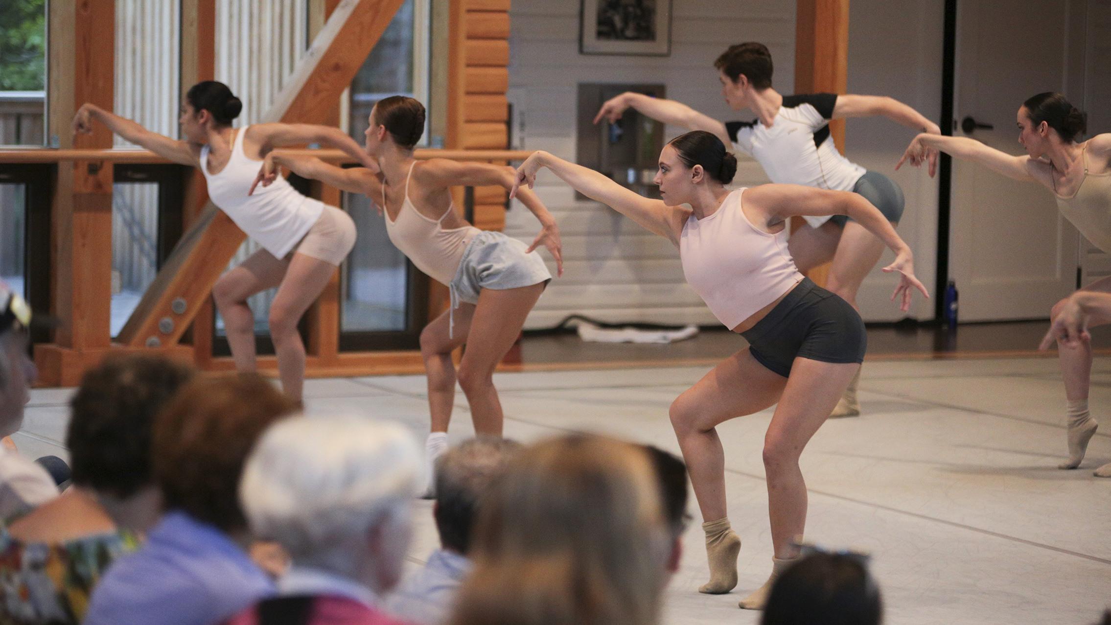 Contemporary Program; photo Noor Eemaan
