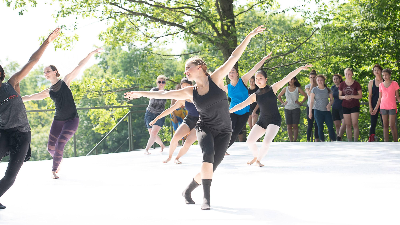 Class with Inside/Out Artist Bruce Wood Dance; photo Christopher Duggan